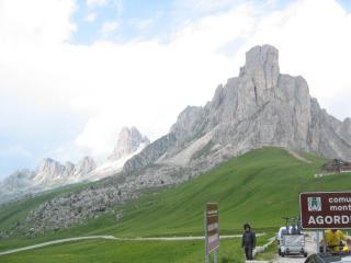 http://www.trentobike.org/Countries/Europe/Tour_Reports/Tour_of_the_Alps/2004/Alps04-150-Pso-Giau.jpg