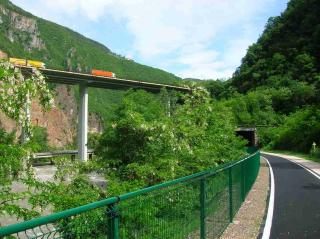 One of the nice bike ways around Bolzano