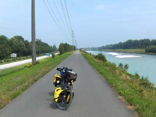 On the dike between St.Margrethen and Sargans