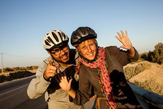 Roberto and Annika cycling through Iran in August 2012
