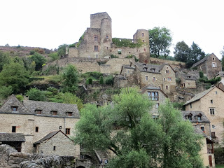 From the Aveyron River, looking up towards the castle at Belcastel